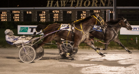 Skeeter Machine (inside with Kyle Husted) held off the late charging Whiskersonkittens (Luke Plano) in the $45,000 Tony Maurello Memorial filly and mare final on the 2019 Night of Champions. (Four Footed Fotos)
