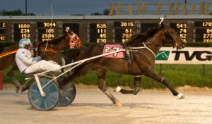 I Could Care Less (Keith Crawford) won last night's Bear Farber Final. (Four Footed Photo)