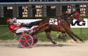 Cruzen Cassi (Jared Finn), a first round winner of a Kadabra stake, also captured a division of Wednesday night's Illinois Stallion 2-year-old colt trotting stake at Charleston. (Four Footed Photo).