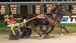 Bucklegirl Bobette (Inside, Kyle Wilfong), victorious in the Maurello Final, is a Fall Review starter. (Four Footed Photo).
