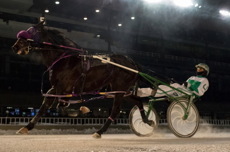 Fox Valley Skywalk (Tim Curtin) completed her sweep of the Doc Walker Late Closer for ICF pacing fillies Saturday night for owner and trainer Rodney Freese. (Four Footed Photo)