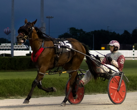 Brienne The Beauty (Travis Seekman), from the barn of trainer Clark Fairley, moved into a second place tie in the Incredible Tillie point standings with a victory last weekend. (Four Footed Fotos)
