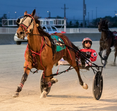 You'remyhearthrob with driver Kyle Wilfong. (Four Footed Fotos)