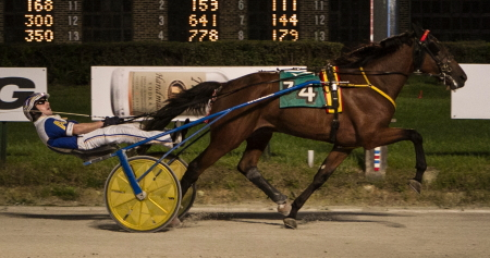 Ed Teefey's Crooked Creek (Ryan Anderson) earned his way into the Kadabta Final on the Night of Champions with a final series victory last weekend for trainer Mike Brink. (Four Foofed Fotos),