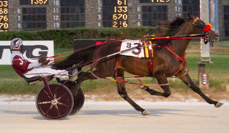Double ICF stakes champion Hart's Heart (Juan Franco) looks to make it three straight wins in today's Fall Classic two-year-old filly pace in Springfield. The Mike Brink trained filly has been third or better in all six career starts. (Four Footed Fotos)