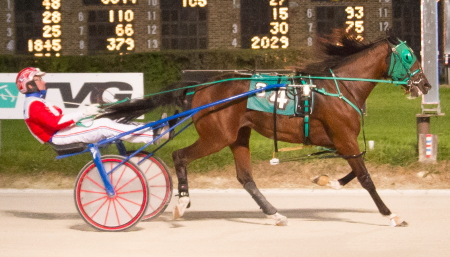 The Flacco Family Farms owned and bred Loulita (Casey Leonard) won for the sixth consecutive time in the Night of Champions $88,000 Fox Valley Flan final for ICF two-year-old trotting fillies. (Four Footed Fotos)